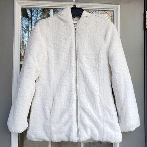 Amy Byer White Fur Puffer Jacket- Size XL (EUC)
